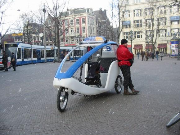 Pedicab, bikecab, becak, bicitaxi .... велорикша 800px-bicycle_taxi_amsterdam_february_2005