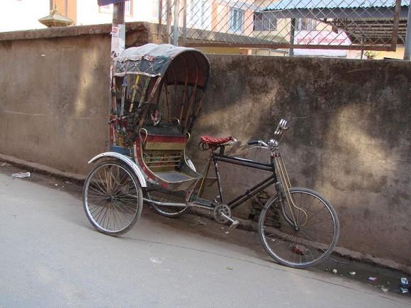 Pedicab, bikecab, becak, bicitaxi .... велорикша 800px-rickshaw-katm-nepal