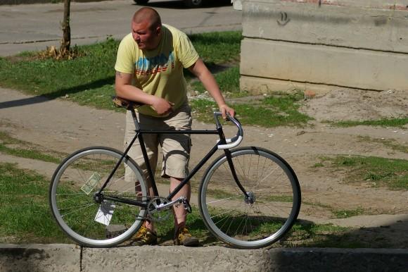 Что нужно для установления мистической связи между велосипедистом и велосипедом? Фиксед! Imgp3521