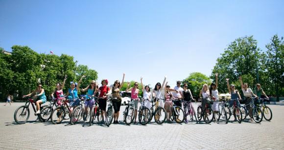 1-й Севастопольский велопарад девушек  Z_aa0d0cc5_0